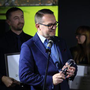 Nagrodę główną w kategorii Przestrzeń Łazienki otrzymała firma Mirad za baterię marki F.lli Frattini, Vita M Style. Statuetkę odebrał Radosław Sychowiec, właściciel firmy Mirad.