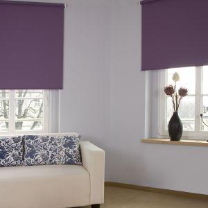 Instytut Koloru Pantone ogłosił właśnie Kolor Roku 2018. Jest nim głęboki Ultra Violet (18-3838). Fioletowe rolety. Fot. Franc Gardiner