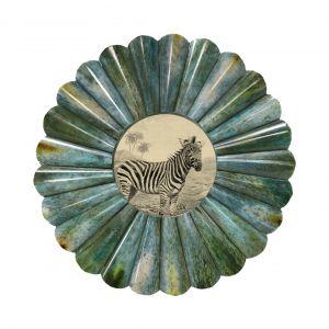 Okrągła zielonkawa ramka z obrazkiem to urocza, oryginalny dekoracja, która podkreśli styl wnętrza. 109,99 zł. Fot. HK Living