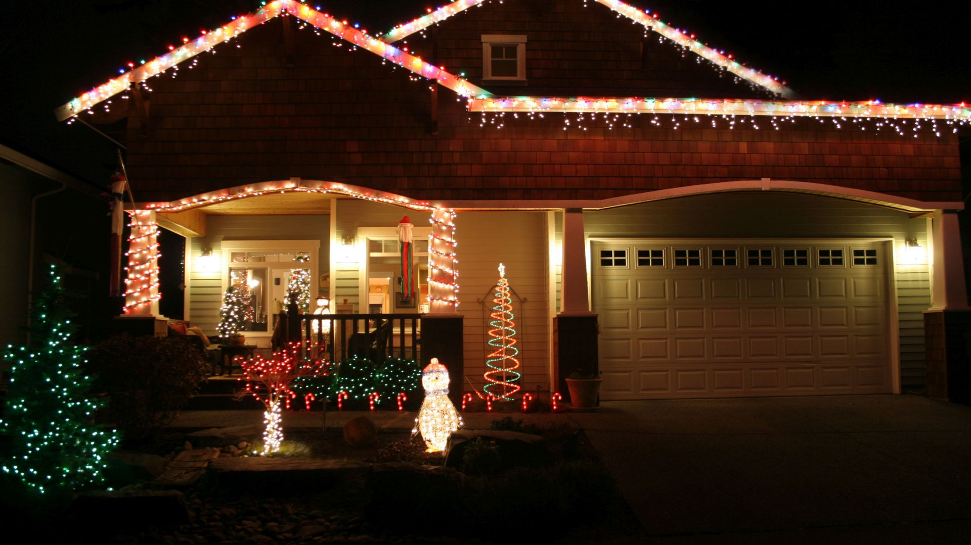 Dekoracje świetlne na dach. Fot. AdobeStock