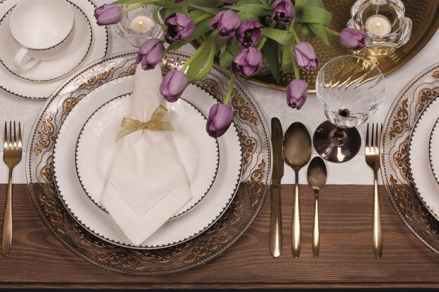 Dekorujemy świąteczny stół - propozycje na każdy portfel