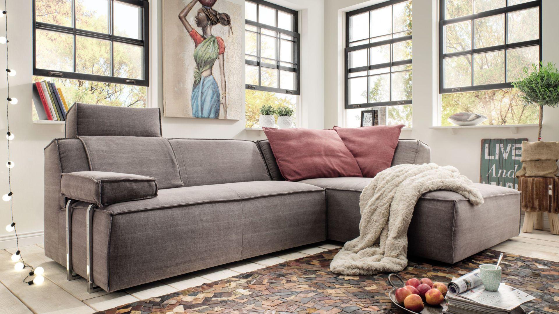 Kolekcja mebli wypoczynkowych Fioli dają możliwości wielokrotnej, szybkiej zmiany ich ustawienia. Od 4.910 zł (narożnik). Fot. Livingroom