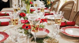 Chwile spędzone z bliskimi przy świątecznym stole są niezapomniane, pełne miłości i ciepła. Ich wyjątkowość doskonale dopełnia bożonarodzeniowe menu i piękna dekoracja stołu.