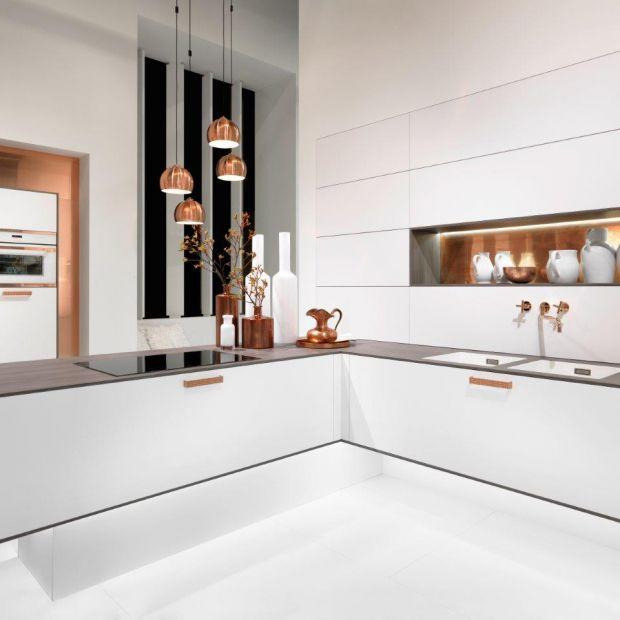 Nowoczesna kuchnia: zobacz wnętrza z dodatkiem miedzi