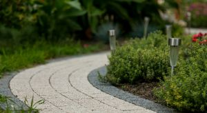 """Przemyślany projekt ogrodu zapewni użytkownikom nie tylko estetycznie przygotowaną przestrzeń przydomową, ale przede wszystkim urządzone logicznie i """"z głową"""" miejsce uwzględniające specyfikę działki i jej sąsiedztwa."""