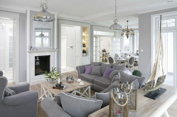 Salon z kominkiem: 20 pięknych wnętrz