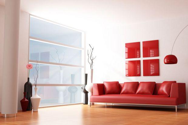 Czerwony kolor, orientalne inspiracje, motywy kwiatowe. Między innymi te rzeczy znajdziemy w prognozowanych trendach wystroju wnętrz na 2018 rok. Czym jeszcze będziemy się inspirować podczas urządzania mieszkania?