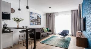 Apartament na wynajem o powierzchni 50 mkw. znajduje się w Gdańsku, w ekskluzywnej lokalizacji nad samym brzegiem Motławy.