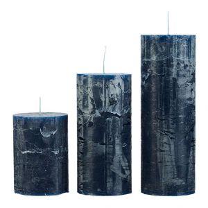 Komplet 3 świec Kersten Blue, 65 zł. Fot. Westwing