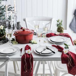 Piękna dekoracja świątecznego stołu: serwis Moments. Fot. Fyrklovern