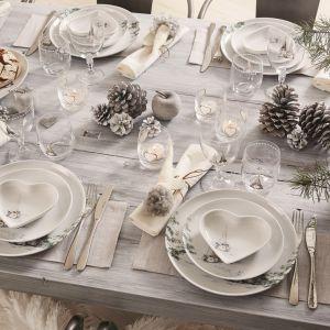 Aranżacja stołu na święta, serwis: Asas Christmas White. Fot. Fyrklövern