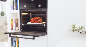 Przedświąteczne kucharzenie rzadko kiedy przebiega spokojnie. Atmosfera w kuchni bardziej przypomina kulisy restauracji o światowej renomie, gdzie nie ma ani chwili wytchnienia, a potrawy powstają po kilka w tym samym czasie.