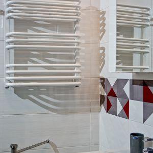 Aranżacja łazienki: postaw na biały grzejnik. Grzejnik Salto. Fot. Luxrad