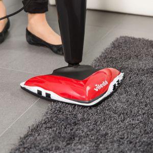 Zdezynfekuj dywany przy pomocy mopa parowego. Fot. Vileda