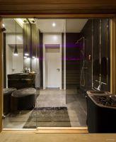 Realizacja dużego, nowoczesnego domu dla rodziny. Fot. Yassen Hristov/Hola Design