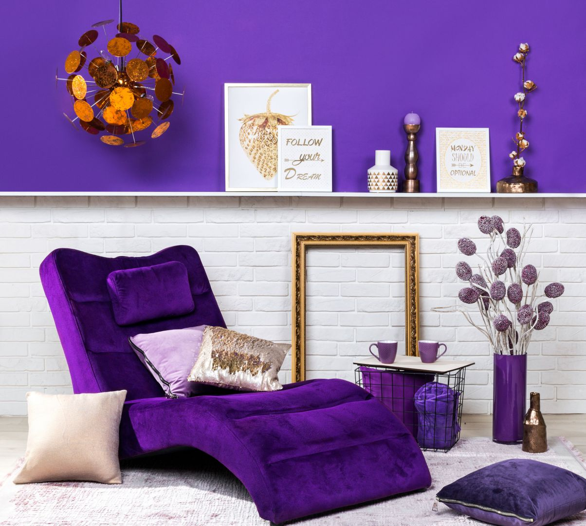 Ultra Violet - ten kolor zdominuje wnętrza w 2018 roku! Fot. Agata SA