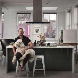 Nowoczesne urządzenia z linii Crystal do swojej kuchni w nowojorskim apartamencie wybrał projektant  Jeff Goodman. Fot. Franke