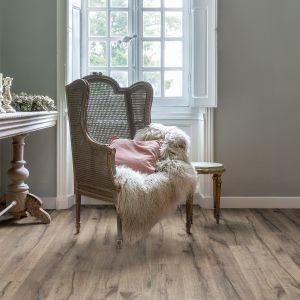 Podłoga laminowana Perspectivew stylu klasycznym oferowana w 15 dekorach drewna. Fot. Quick-Step