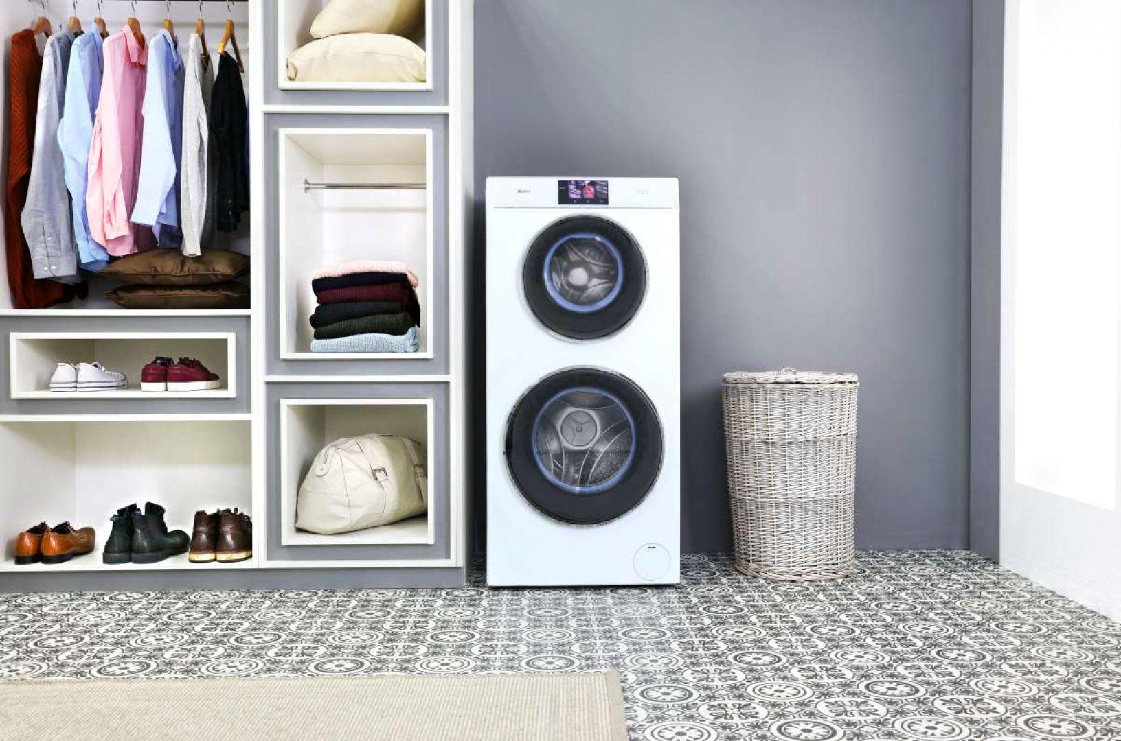 Haier Duo Dry to pierwsza na świecie pralko-suszarka, która w jednym urządzeniu oferuje dwa pionowo ustawione, niezależnie sterowane bębny. Fot. Haier