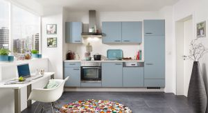 Matowe wykończenia w kuchni dorównują popularnością błyszczącym. Mat ceniony jest za elegancki satynowy wygląd, łatwość w utrzymaniu czystości i wrażenie przytulności, które wnosi do wnętrza.