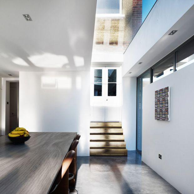 Nowoczesna kuchnia: praktyczne blaty i ściany