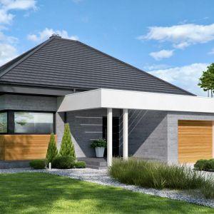 Ze względu na wąską elewację frontową dom idealnie nadaje się do lokalizacji na wąskich działkach o szerokości 18,22 m. Projekt i zdjęcia: Zespół Projektowy HomeKONCEPT