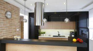 Półwysep kuchenny jest również ciekawym elementem dekoracyjnym. Jak go zaaranżować, aby wykorzystać jego potencjał?