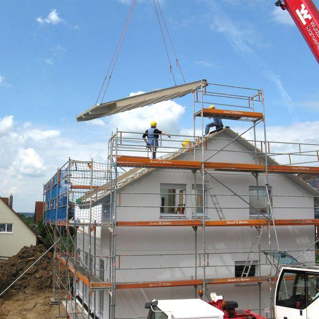 Budowanie domu zimą. Sprawdź, jakie prace można wykonać?