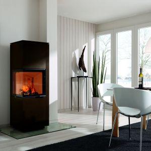 Piękna stylistyka kominka Piko H2O pozwoli wyrazić indywidualny styl i dopasować model do charakteru upragnionego wnętrza. Fot. Spartherm