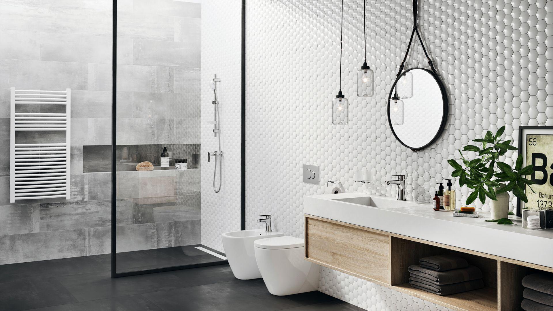 Łazienka w stylu skandynawskim: bateria umywalkowa Algeo Square. Fot. Ferro