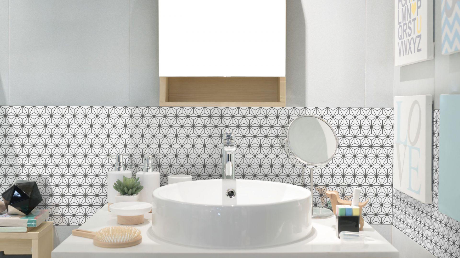 Trendy w łazience 2018 – powrót małych płytek. Fot. Raw Decor