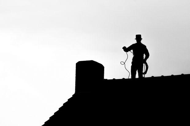 Kiedy Kowalski buduje dom, jednym z najważniejszych wyborów jest system grzewczy i kominowy. Coraz częściej decyduje się na ogrzewanie gazowe i komin ze stali.