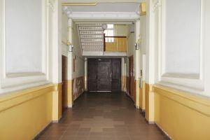 Klatka schodowa XIX-wiecznej kamienicy przed modernizacją. Projekt: Zalewski Architecture Group
