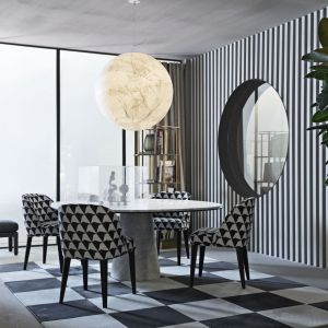 Stół Owen i krzesła Odette - ten świetny duet to nowość marki Meridiani. Fot. Meridiani.