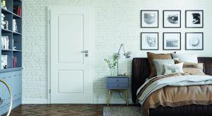 Panujące w sypialni harmonia i spokój sprzyjają efektywnemu wypoczynkowi, który napełnia dobrą energią na cały dzień. Podczas urządzania tego pomieszczenia warto więc zwrócić szczególną uwagę na estetykę i spójność wszystkich elementó