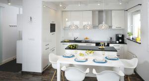 Piękna i praktyczna jadalnia to marzenie wielu z nas. Jak zaprojektować ją w małym mieszkaniu, a jak w dużym domu? W aranżacji pomogą Wam projektanci wnętrz, których realizacje pokazujemy w naszej galerii.