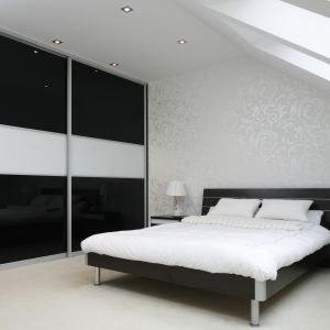 Piękna sypialnia. Projekt: Magdalena Biały. Fot. Bartosz Jarosz