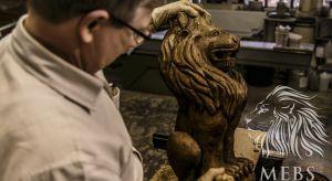 O ręcznym rzeźbieniu mebli, o meblach gdańskich, o tym jak wygląda praca snycerza, a także o tym dlaczego może stać się pasją na całe życie rozmawiamy z Bartłomiejem Jóskowskim - człowiekiem, który meblom oddaje część siebie.