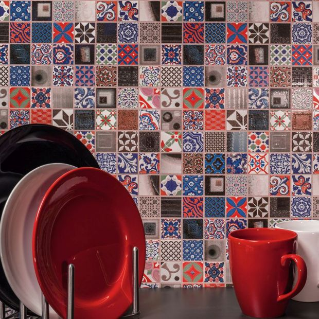 Podłogi i ściany – modne fugi w odcieniach palety Pantone