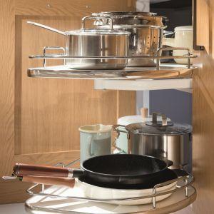 Funkcjonalne rozwiązania do kuchni: półki narożne. Fot. Häfele
