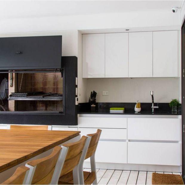 Aranżacja kuchni - zobacz piękny i trwały laminat szklany