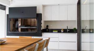 Przez kuchnię nie raz przetacza się kulinarny huragan. To wszystko wymaga odpowiedniego wyposażenia oraz materiałów. Jednym z nich jest szklany laminat do stosowania na frontach szafek czy ścianach.