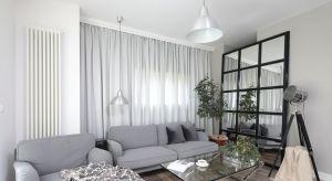 To wnętrze, mimo że znajduje się w sercu warszawskiej Ochoty, przywodzi na myśl nowojorski apartament.