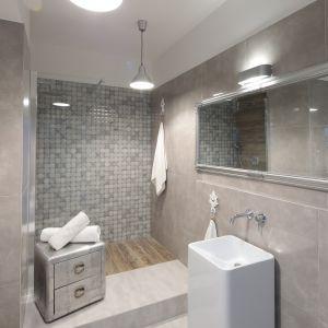 Nowoczesna łazienka - urządzamy strefę umywalki. Projekt: Wioleta Wójcik-Maciuszek, Konrad Maciuszek. Fot. Bartosz Jarosz