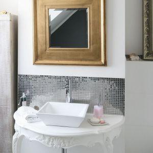 Nowoczesna łazienka - urządzamy strefę umywalki. Projekt: Magdalena Konochowicz. Fot. Bartosz Jarosz