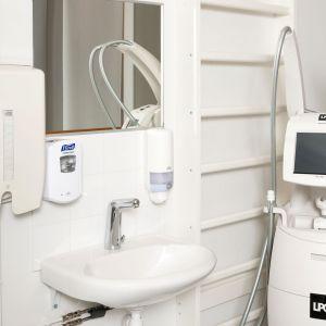 Łazienka dla osób niepełnosprawnych lub seniorów. Fot. Oras