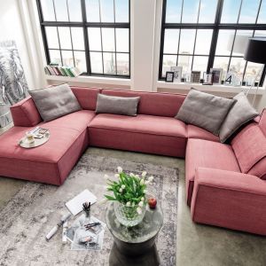 Kolekcja mebli modułowych Fioli  łączy elegancję z komfortem i ergonomią; różne kolory tapicerki. Fot. LivingRoom