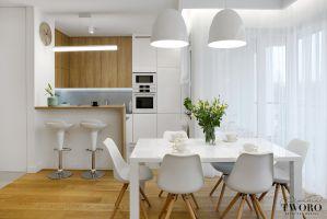 Kuchnia w drewnie i bieli