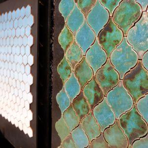 Ręcznie malowane płytki, w architekturze wnętrz łamią schematy znane w masowej produkcji. Fot. PTWP