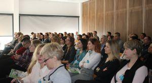 Prezentacje o nowościach, trendach i rozwiązaniach użytecznych w pracy projektanta wnętrz, wykłady ekspertów, a także spotkanie z wyjątkowym gościem specjalnym - 28 lutego w Bydgoszczy zakończyło się spotkaniez cyklu Studio Dobrych Rozwiąza